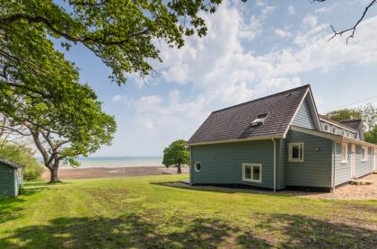 Phenomenal Large Group Isle Of Wight Accommodation Self Catering Beutiful Home Inspiration Ommitmahrainfo