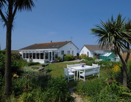 Large Dog Friendly Holiday Lets In Cornwall