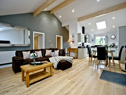 exeter holiday lodge with private hot tub devon. Black Bedroom Furniture Sets. Home Design Ideas