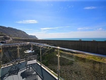 beachfront dorset seafront self catering with sea views rh beachlets co uk