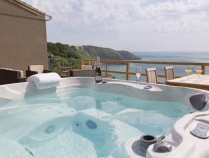 Fantastic Devon Accommodation With Hot Tubs Luxury Hot Tub Holidays Interior Design Ideas Tzicisoteloinfo
