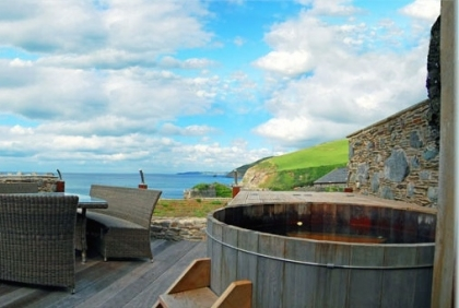 Large Group Beach Houses with Hot Tubs
