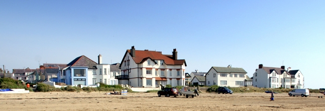 Beach Holiday Accommodation in Rhosneigr to Rent