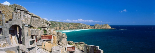 Pet Friendly Accommodation in Porthcurno to Rent