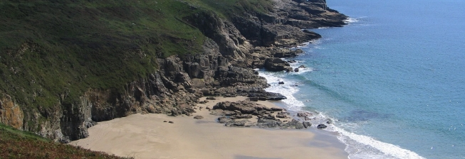 Beach Holiday Accommodation in Rinsey Cove to Rent