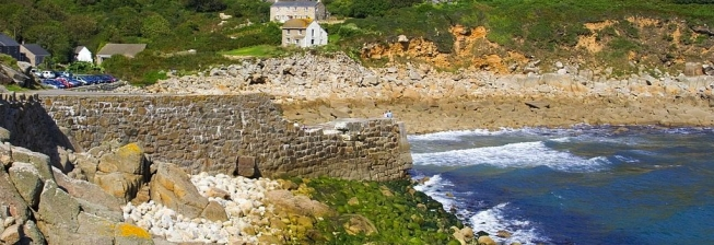 Beach Holiday Accommodation in Lamorna to Rent