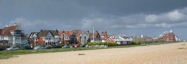 Beach Holiday Accommodation in Deal to Rent